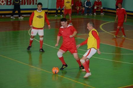В шестом туре ветеранского турнира по футзалу «Адилет» забил 13 «сухих» мячей
