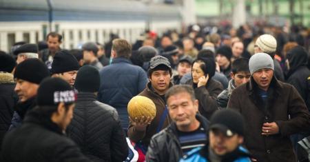 В миграционной полиции Мангистау разъяснили права и обязанности иностранцев и лиц без гражданства, претендущих на постоянное проживание в РК