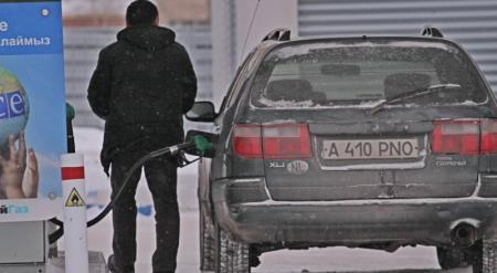 Карабалин подтвердил предстоящее снижение цен на бензин в Казахстане