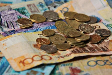 Ждать ли казахстанцам девальвации тенге в феврале 2015