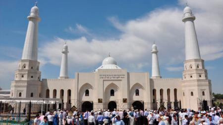 Казахстанских имамов обяжут освоить компьютер и интернет