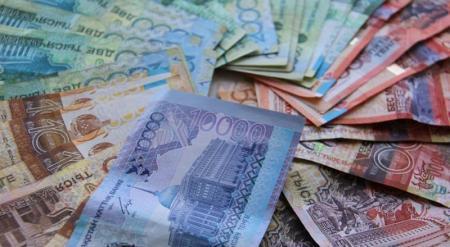 Названа средняя зарплата в Казахстане для мужчин и женщин