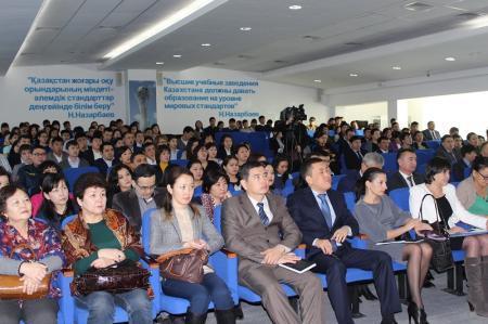 В Актау студенты встретились с руководством Департамента по делам госслужбы и противодействию коррупции