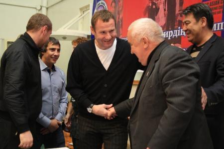 Заслуженный тренер Александр Драч отмечает свой 75-летний юбилей