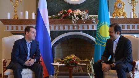 Премьеры России и Казахстана обсудили ситуацию на нефтяном рынке