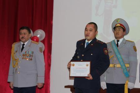 Двое актауских полицейских награждены медалями «За мужество»