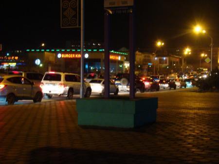 На главной дороге Актау из-за поломки кабеля на подстанции отключились светофоры