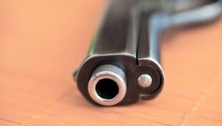 В школьном тире ученик выстрелил в голову однокласснику