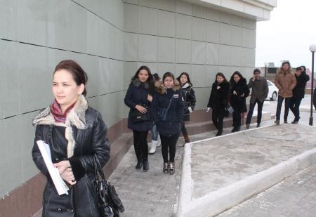Актауских студентов строительных специальностей отвели на экскурсию в элитный жилой комплекс
