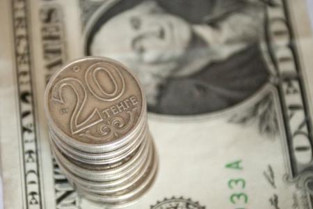 В некоторых регионах РК есть нехватка иностранной валюты