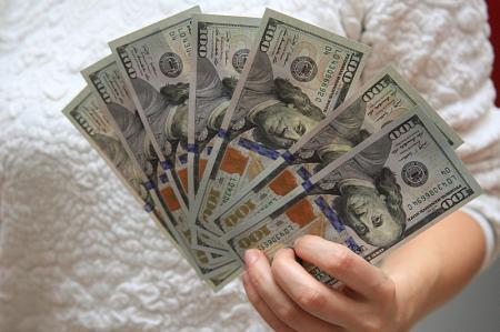 В банках Актау прокомментировали ситуацию с продажей валюты