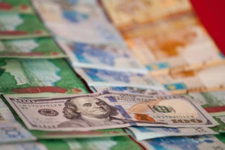 Меры по дедолларизации экономики разработают к 2015 году