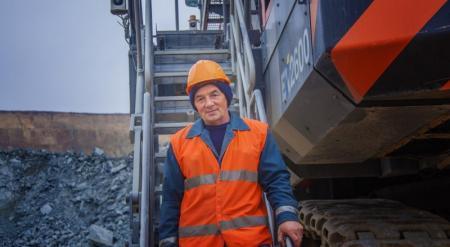 Президент Казахстана учредил Орден трудовой славы