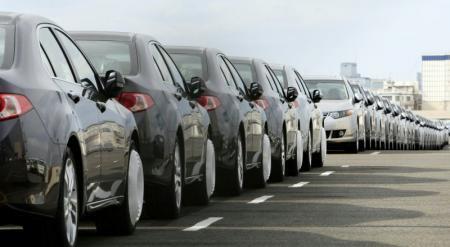Представители авторынка Казахстана прокомментировали ситуацию с ажиотажем на авто в РФ