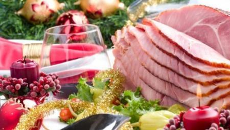 Диетологи предлагают казахстанцам заменить на новогоднем столе свинину кониной