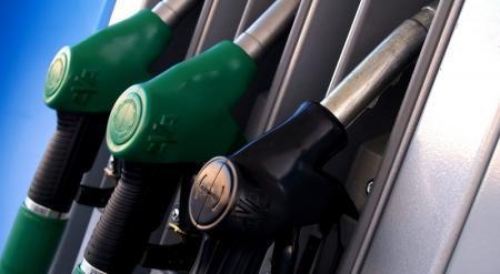 Бензин снова подешевел в Казахстане