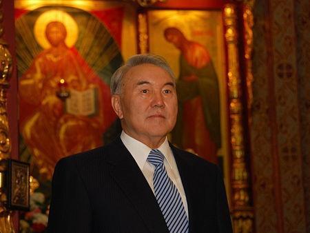 Назарбаев поздравил казахстанцев с Рождеством