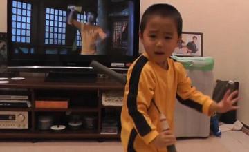 Четырехлетний мальчик повторил боевые трюки Брюса Ли