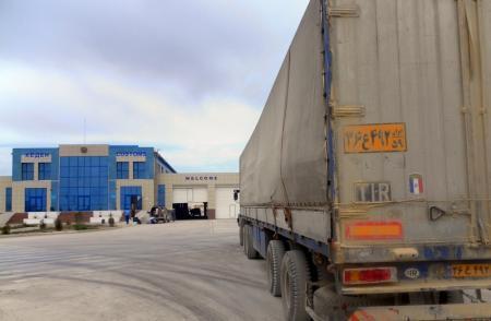 Гражданин Ирана пытался провезти 30 тысяч долларов через казахстанско-туркменскую границу