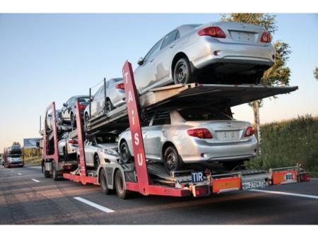 Казахстанцы могут ввозить без НДС любое количество авто из России