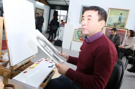 В арт-галерее «Өнер» прошел мастер-класс по портрету карандашом и маслом