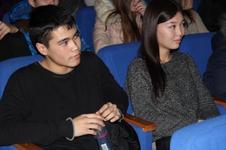 В Актау студенты и старшеклассники организовали благотворительную киноночь