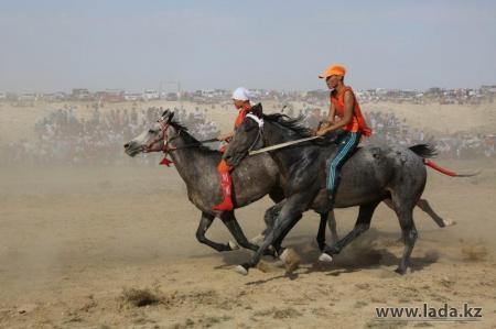 Сергей Пахомов: В Актау построят конно-спортивный центр