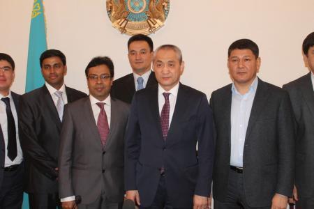 В Актау обещали построить солнечную электростанцию и завод по опреснению воды