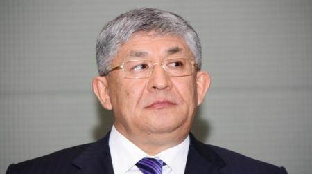 Крымбек Кушербаев предложил разработать дополнительный соцпакет для госслужащих