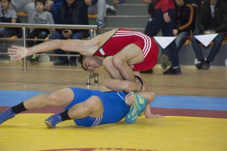 В Актау стартовал чемпионат Казахстана по вольной и греко-римской борьбе