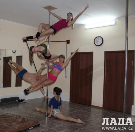 Супруги Алексей Стригунов и Юлия Денисюк из Актау стали призерами республиканcкого чемпионата по Рole dance