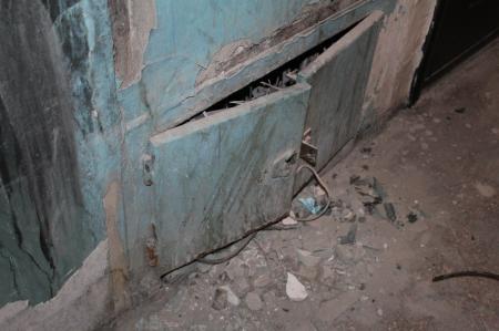 Жильцы третьего дома в 4 микрорайоне Актау, где произошел пожар, пожаловались на бездействие ПКСК