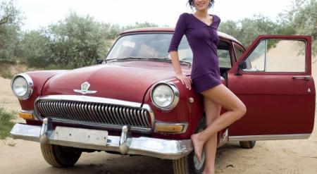 Казахстанцам разрешили свободно ввозить авто старше 30 лет