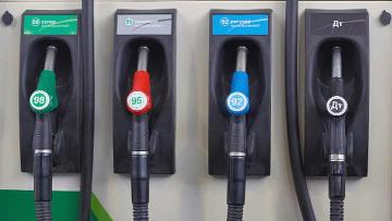 Предельные розничные цены на дизтопливо и Аи 92/93 снижены до 99 тенге