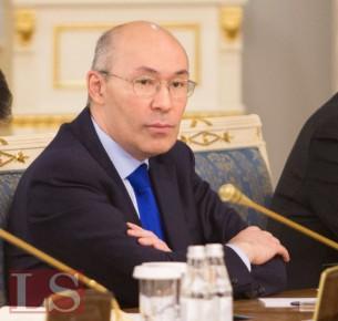 Казахстан разработал собственный план по дедолларизации экономики