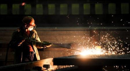 """""""АрселорМиттал Темиртау"""" лишат государственных льгот в случае сокращения зарплаты работникам"""