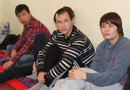 В Актау выпускники детского дома объявили голодовку из-за отсутствия работы