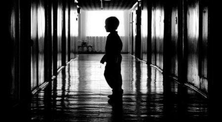 По какой цене продают детей-сирот в Казахстане рассказали в Генпрокуратуре