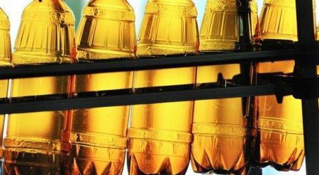 Пивовары Казахстана нашли нестыковки в запрете на продажу пива в пластиковых бутылках