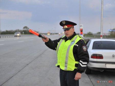 Казахстанских водителей будут штрафовать за фары-стробоскопы