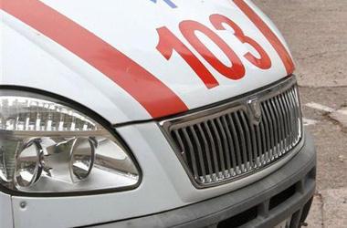 В Караганде скорая помощь проехала мимо лежавшего на дороге мужчины