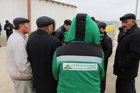 Рабочие, строящие участок дороги Бейнеу-Актау: Нам задолжали больше 35 миллионов тенге