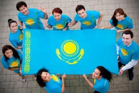 Численность казахстанцев выросла до 17,43 млн человек