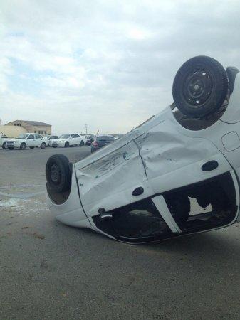 Семья из трех человек пострадала в дорожной аварии на автотрассе в Мангистау