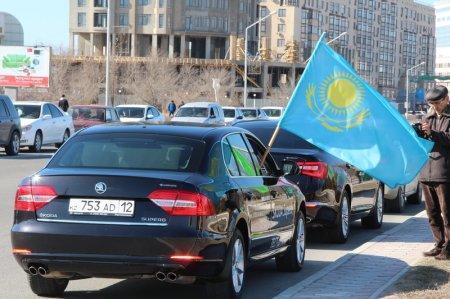 В Актау прошел автопробег «20 лет мира и согласия»