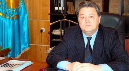 Павлодарский чиновник сбил на джипе финполовца во время задержания