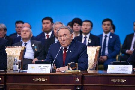 Нурсултан Назарбаев собрал полмиллиона подписей в свою поддержку