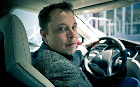 Элон Маск заявил, что ручное управление автомобилем довольно скоро станет незаконным