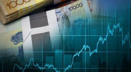 Корректировка курса тенге может быть выгодна банкам - эксперты