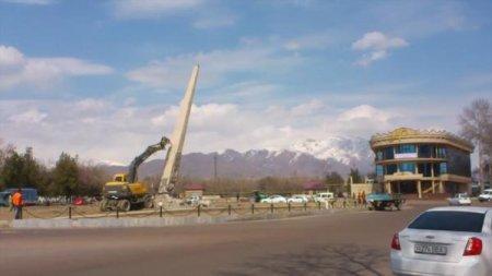 В Узбекистане снесли памятник воинам, погибшим в ВОВ
